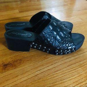 $128 FREE PEOPLE Sonnet Black Croc Leather Clogs 9